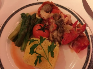 Main course - BTC Boston Lobster Thermidor.  Portion is adequate (probably I was still full from my heavy breakfast), nicely presented but lobster still felt rubbery on chewing
