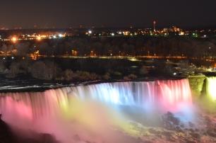 Niagara Falls - Night time