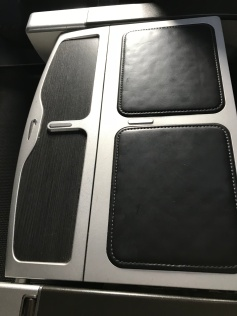 The middle seat armrest