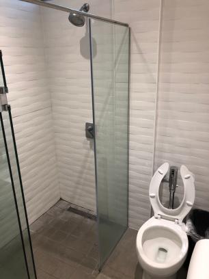 Panama Lounge toilet 1